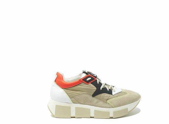Beige/orange running shoes in leather and nylon