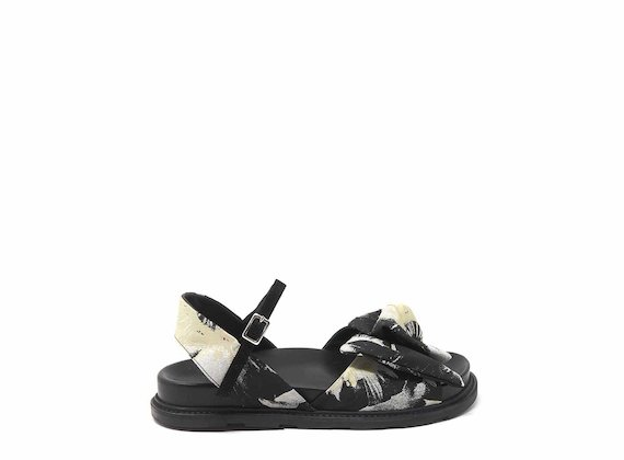 Sandals with floral-fabric bow