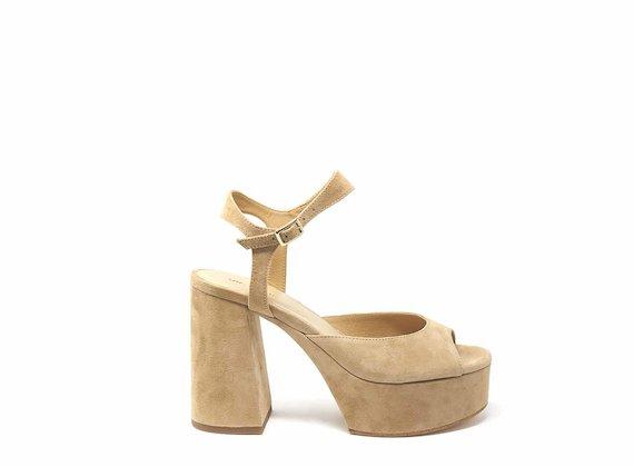 Sandales en daim à bout ouvert
