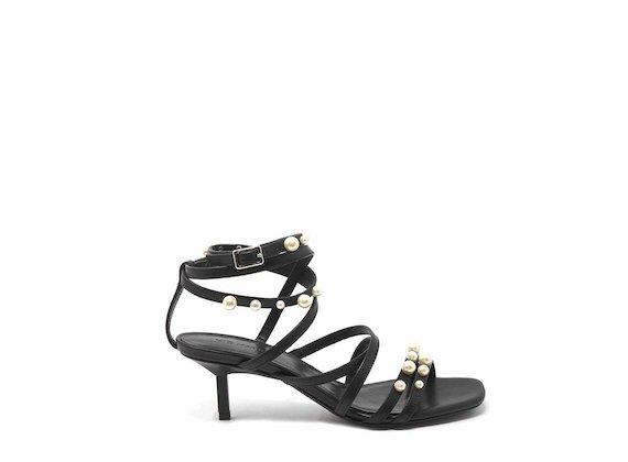 Sandalo tacco a spillo con perle - Nero