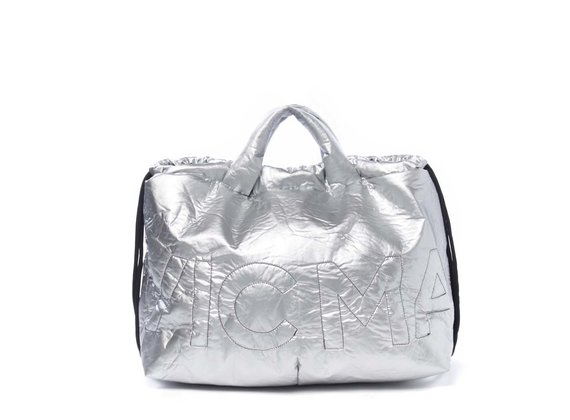 Penelope<br />Verschließbare Rucksacktasche aus silberbeschichtetem Nylon