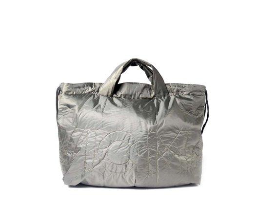 Penelope<br />Verschließbare Rucksacktasche aus militärgrünem Nylon