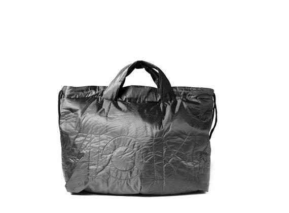 Penelope<br />Verschließbare Maxi-Tasche aus schwarzem Nylon