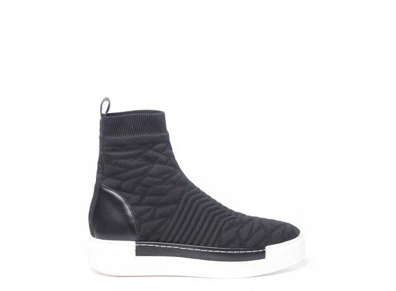Sneaker Polacco en maille noire à effet relief et semelle contrastée