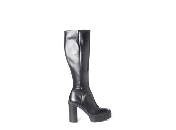 Black calfskin boots with platform