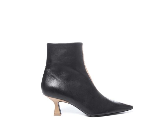 Black/sand-yellow ankle boots in soft calfskin with spool heels
