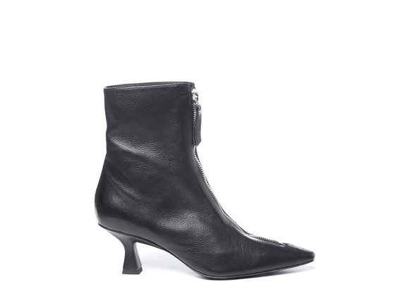 Black rock'n'roll ankle boots in soft calfskin with spool heels