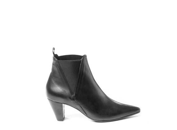 Black Beatle boots in soft calfskin with cone heels