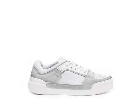 Men's white low-top trainers in calfskin and split leather