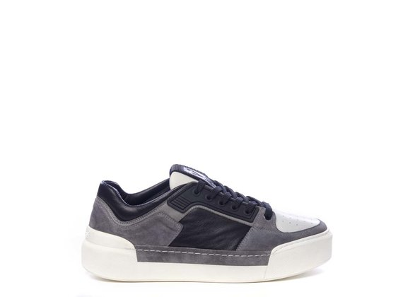 Men's low-top trainers in black calfskin and grey split leather