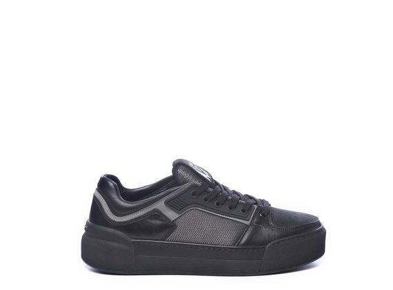 Sneaker pour homme en cuir de veau noir et tissu noir
