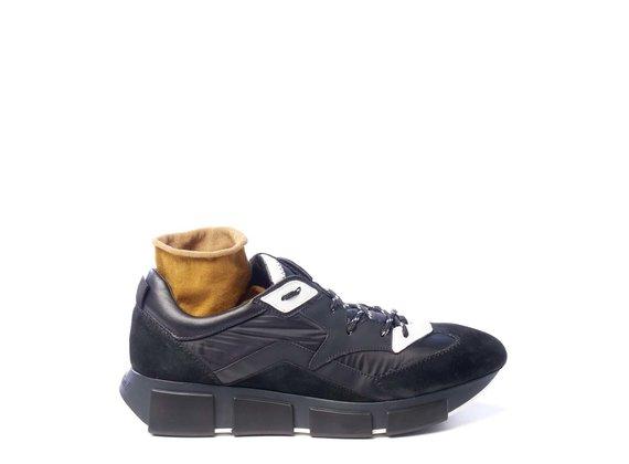 Men's black fabric/split leather running trainers