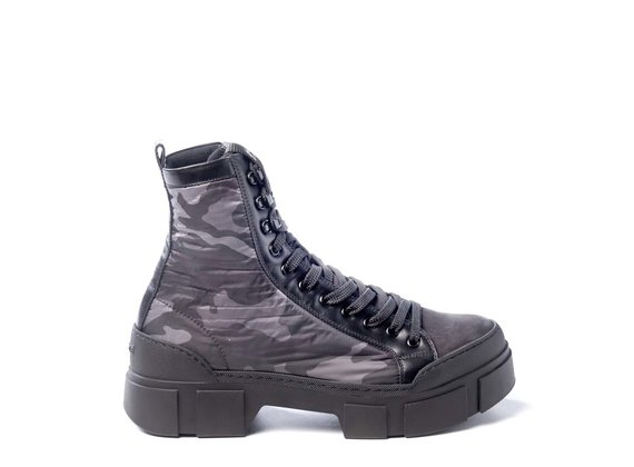 Men's black leather/camouflage fabric combat boots