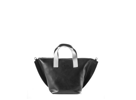 Alizee<br /> Black/ice-white trapeze bag - Cream
