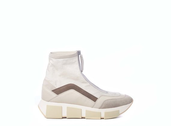 Vintage natural-coloured high-top running shoes in split leather, calfskin and nylon