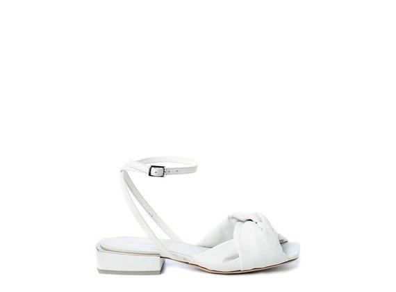 Sandale plate en cuir nappa blanc