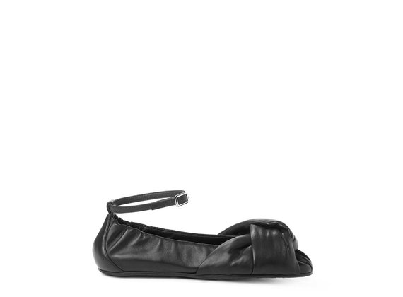 Ballerina flats in soft black nappa leather with knot