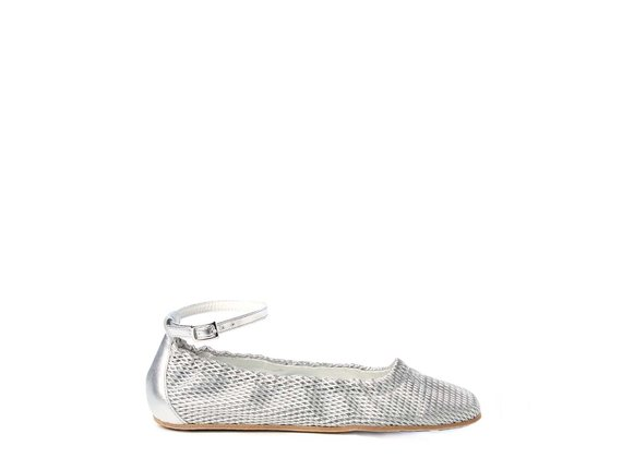 Ballerina flats in soft, perforated, laminated silver nappa leather