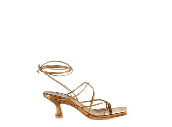 Bronze spool-heel sandals with laminated nappa strings - Bronze