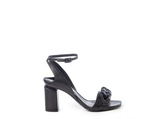 Sandals with black chain and suspended heel
