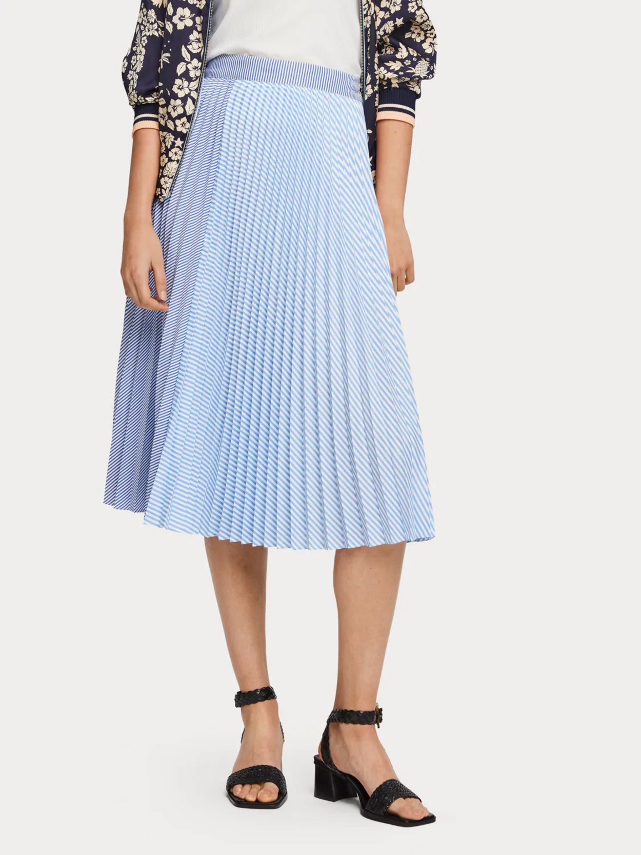 Mixed Stripe Pleated Skirt
